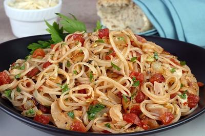 Linguine With Tomato Clam Sauce Recipe — Dishmaps